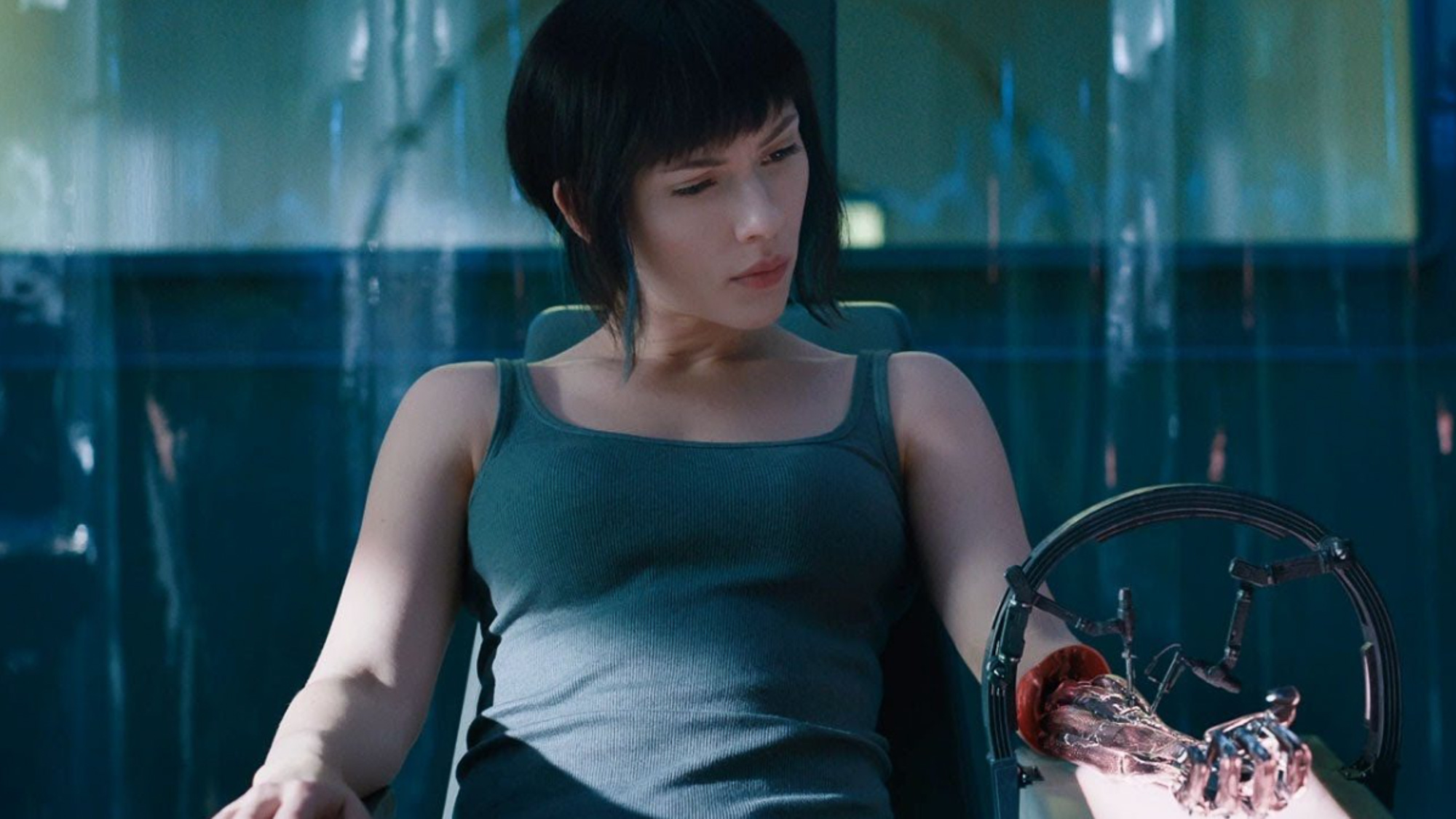 Ghost In The Shell - Una scena con Scarlett Johanson