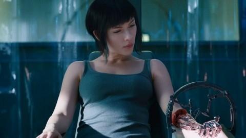 Ghost In The Shell - Una scena con Scarlett Johanson